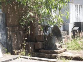 Cemitério Santana – Chora Menino