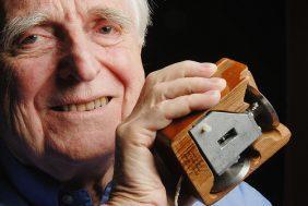 Morre aos 88 anos, Douglas Engelbart, o inventor do mouse