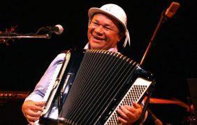 Músico sanfoneiro Dominguinhos morre aos 72 anos