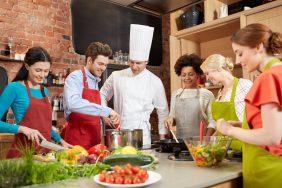 O que fazer para Dia Mundial da Saúde: Aula de culinária saudável