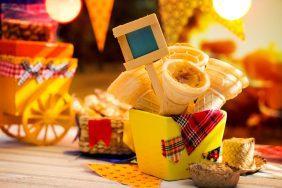 O que fazer para Festa Caipira: Decoração caipira na empresa