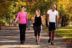 O que fazer para Dia de Combate à Hipertensão: Grupos de caminhada de funcionários da empresa