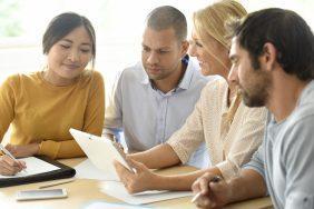 O que fazer para o Dia do Amigo: Grupos de trabalho