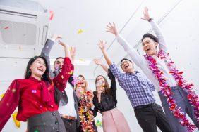 O que fazer para o dia do Orgulho LGBT+: Happy hour com cardápio colorido
