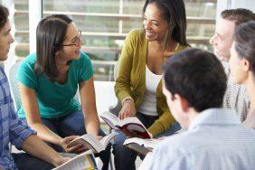 O que fazer para o Dia Nacional do Livro: Happy hour literário