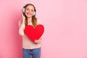 O que fazer para Dia de Combate à Hipertensão: Playlists com músicas que falem sobre o coração