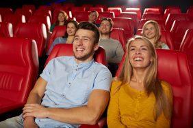 O que fazer para o Dia do Riso: Sessão de cinema na empresa – comédia