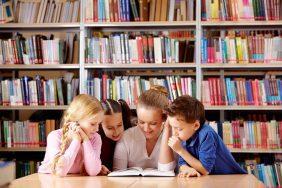 O que fazer para o Dia Nacional do Livro: Voluntariado: leitura para idosos ou crianças