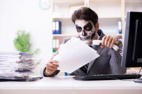 """O que fazer para Dia das Bruxas – Halloween: Maquiagem """"de terror"""" grátis para os colaboradores"""