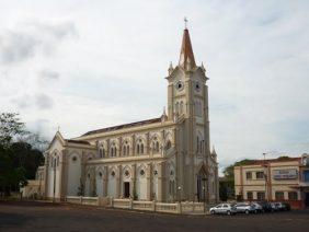 Cemitério Municipal de Campina Verde – MG –
