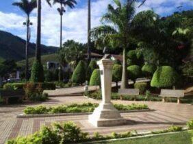 Cemitério Municipal de Durandé – MG –